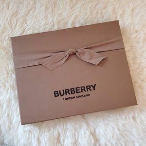 NEW BURBERRY Scarf Gift box with Box storage Decor